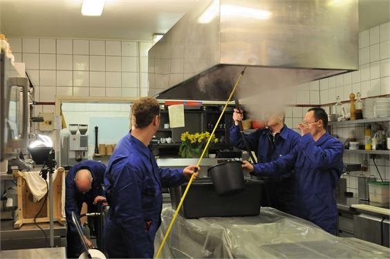 Reinigung Küchenabluft Dunstabzugshaube Gastronomie Hannover sauber und gut
